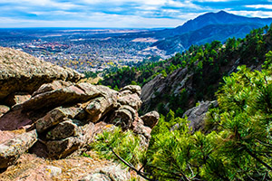 A rocky cliff in Boulder overlooks the city